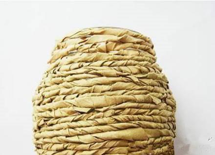 DIY-Kraft-Paper-Decorated-Flower-Vase-5