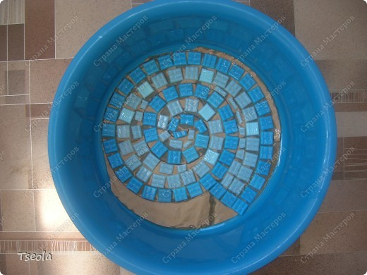 DIY Mosaic Tile Garden Stepping Stones 5
