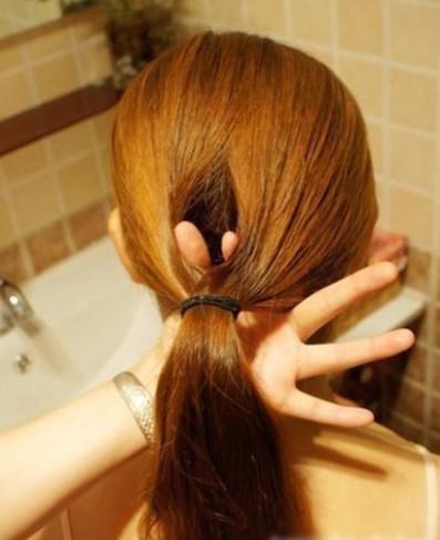 DIY Easy Twisted Hair Bun Hairstyle 1