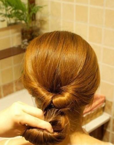DIY Easy Twisted Hair Bun Hairstyle 4