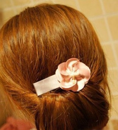 DIY Easy Twisted Hair Bun Hairstyle 6
