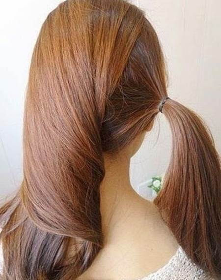 DIY Easy Twisted Side Ponytail Hairstyle 2