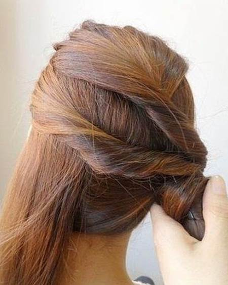 DIY Easy Twisted Side Ponytail Hairstyle 5