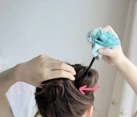 DIY Easy Updo Hairstyle with a Chopstick 7