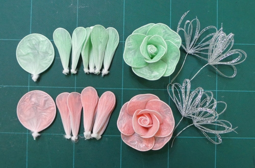 DIY Pretty Roses from Plastic Bags 6