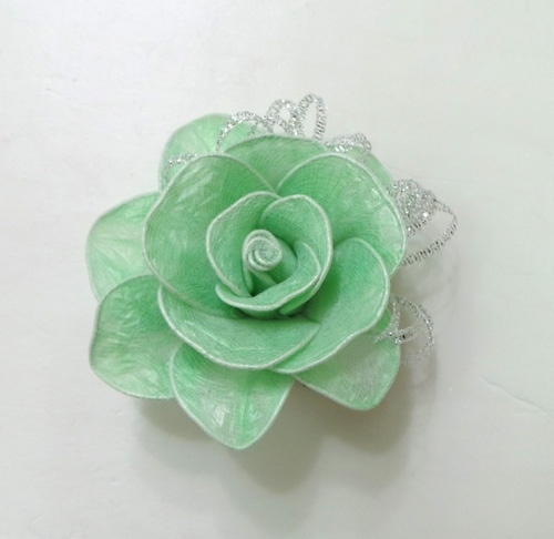 DIY Pretty Roses from Plastic Bags 7