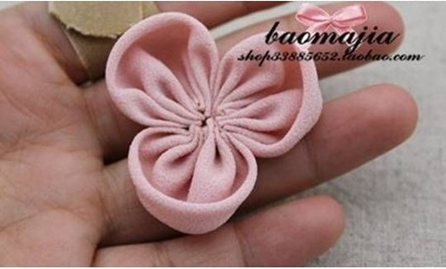 DIY Beautiful Fabric Flower Hair Clip 5