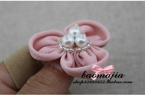 DIY Beautiful Fabric Flower Hair Clip 7