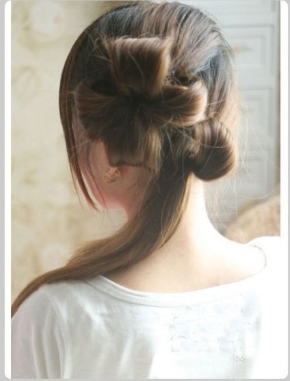 DIY Chic Flower Petal Updo Hairstyle 4_1