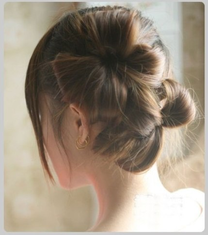 DIY Chic Flower Petal Updo Hairstyle 4_2