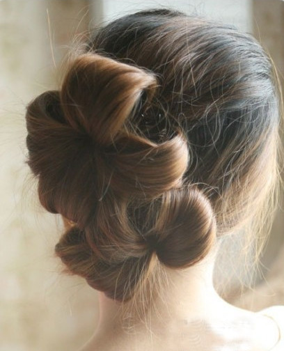 DIY Chic Flower Petal Updo Hairstyle 5