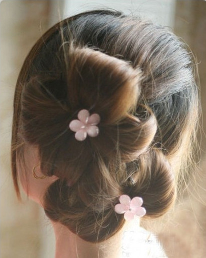 DIY Chic Flower Petal Updo Hairstyle 6