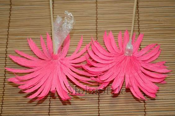 DIY Crepe Paper Chocolate Gerbera Flower Bouquet 12